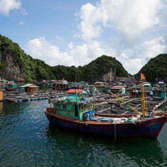 Bateau de Pêcheurs dans la Baie de Lan Ha