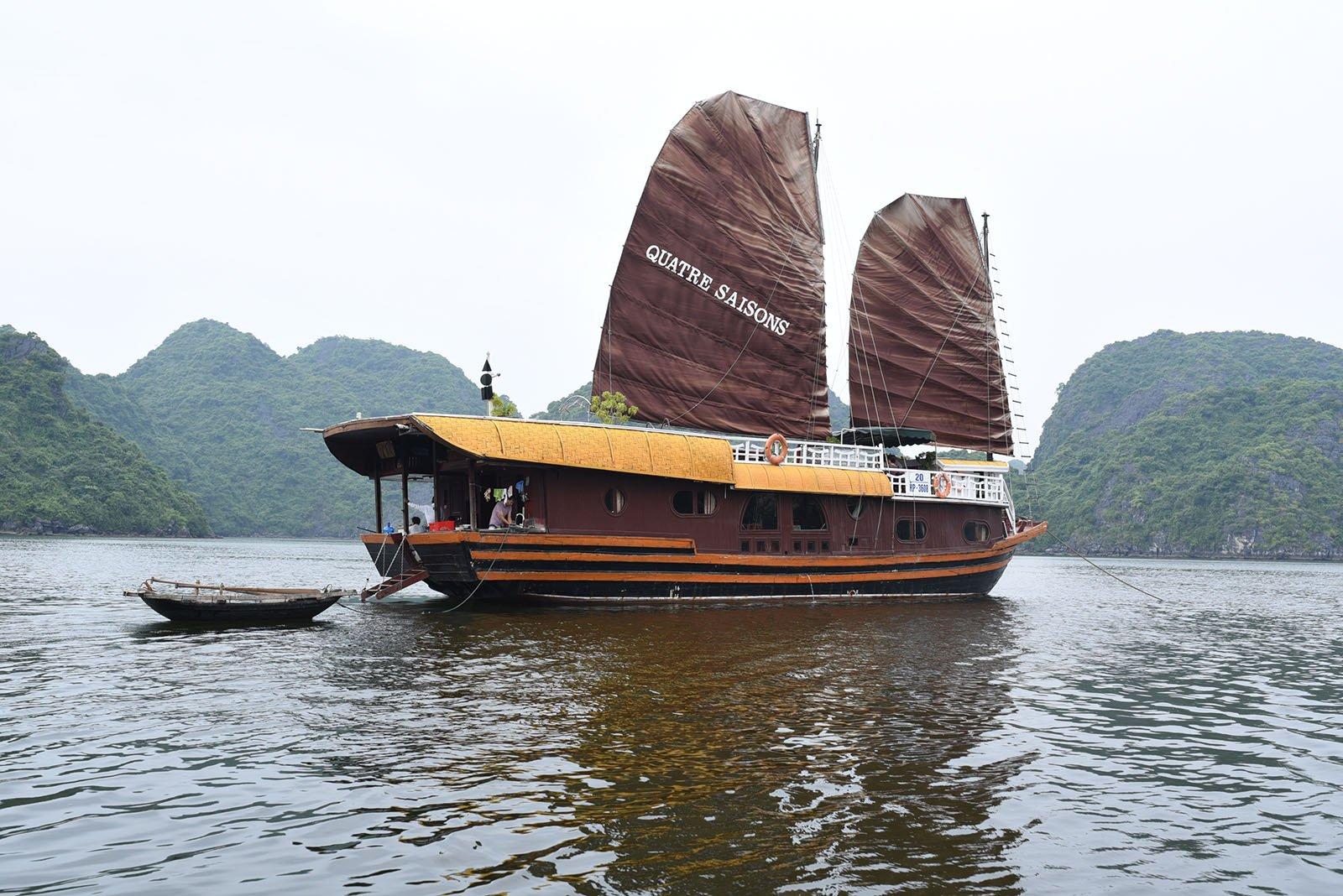 Jonque Quatre Saisons vue extérieure, Baie de Lan Ha, Baie d'Halong, Vietnam