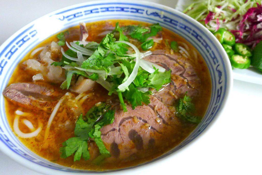Bún bò Hue, plat emblénatique de Hue, Vietnam