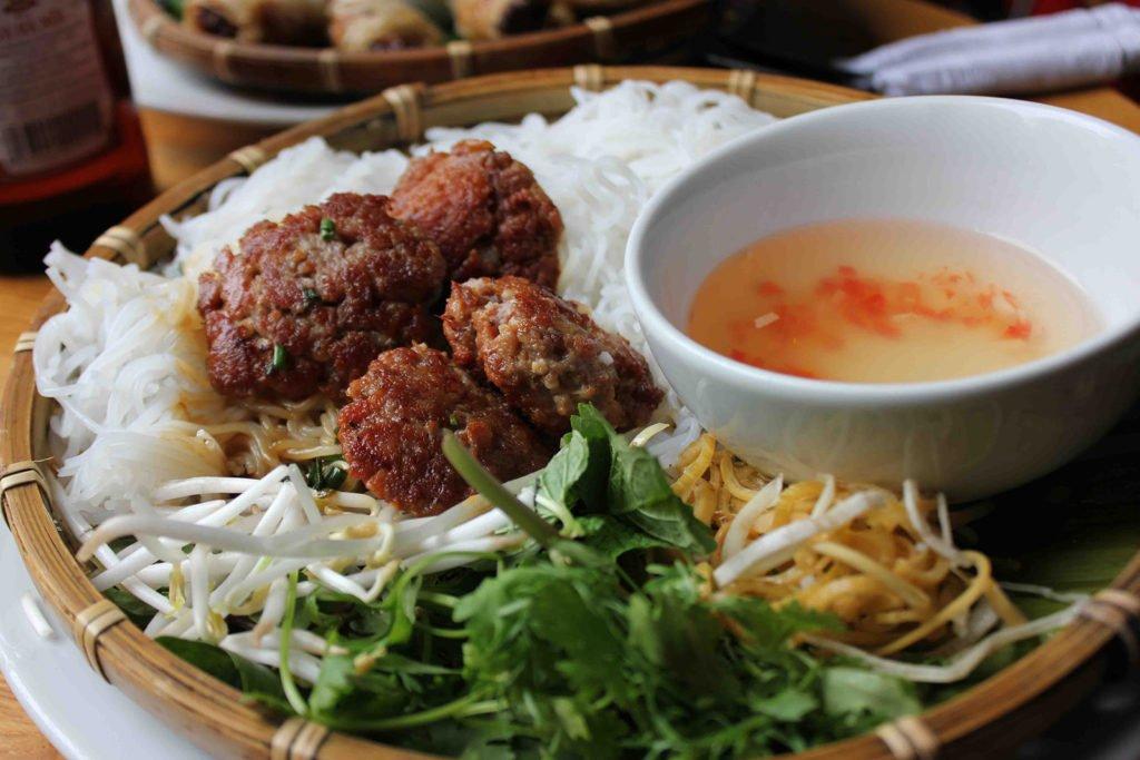 Bun Cha, plat typique Hanoien, Vietnam