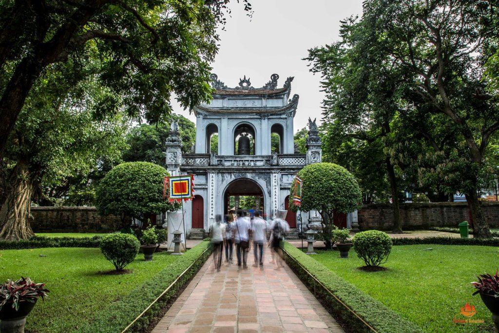 Intérieur du temple de la littérature, Hanoi, Vietnam