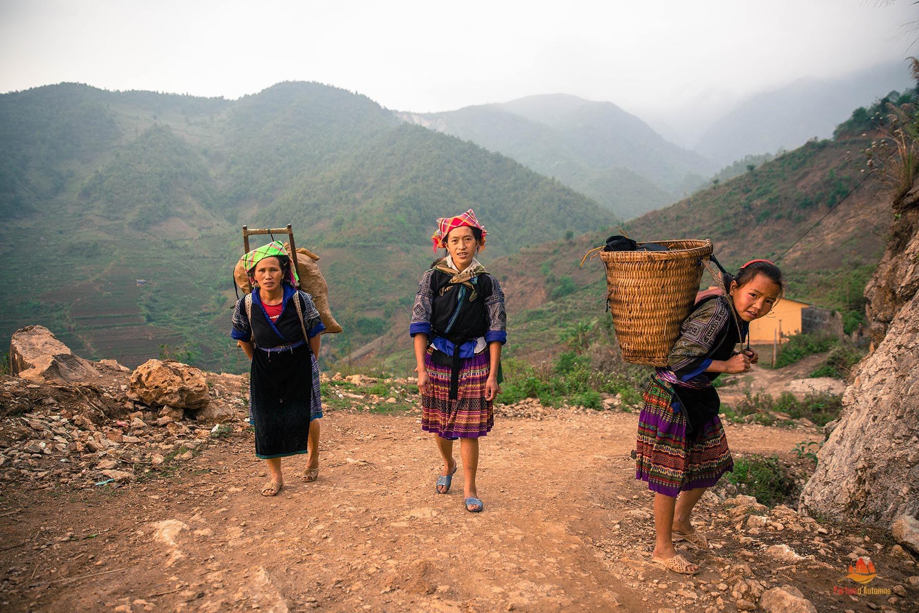 Femmes Hmong à Mu Cang Chai, Yen Bai, Vietnam